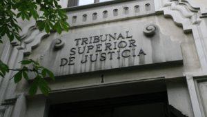 El tribunal superior de justicia de Madrid obliga a la hacienda pública a devolver las cantidades retenidas por IRPF de las prestaciones por maternidad y paternidad